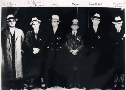 gangsters 1