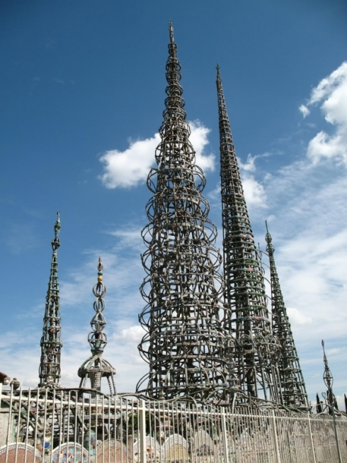 the-watts-towers-nuestro-pueblo-by-simon-rodia-1337871721_b